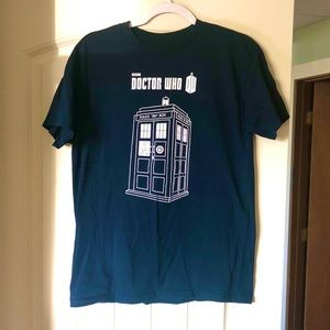 Navy blue doctor who shirt, tardis